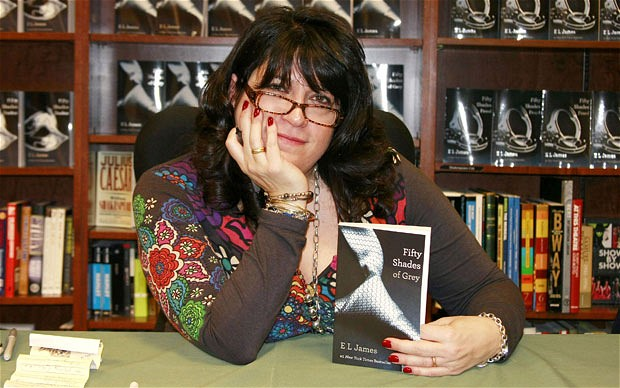 "E.L. James, autora de ""Cincuenta sombras de Grey"""