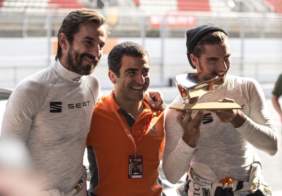 Maxi Iglesias se declara ganador en el reto #RetoSANTIvsMAXI